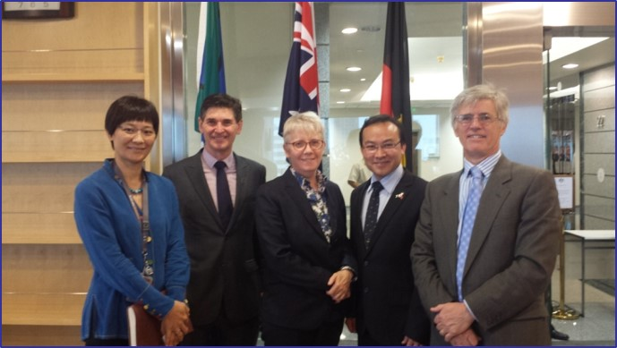 GCL Consul General Alice Cawte Deheng Lawyers Lewis Holdway